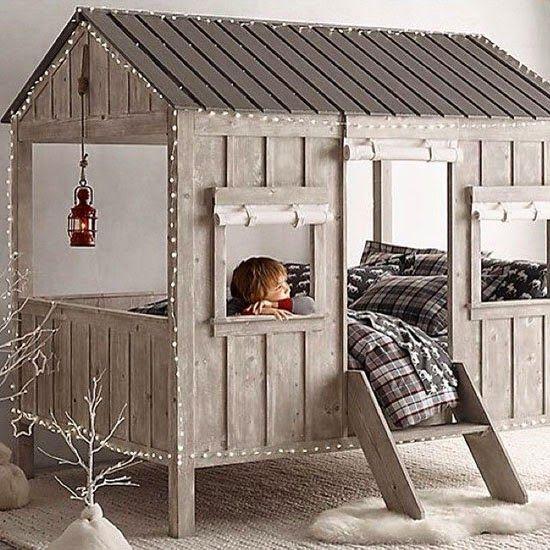 Des id es et des inspirations pour r aliser un lit cabane for Place du lit dans une chambre