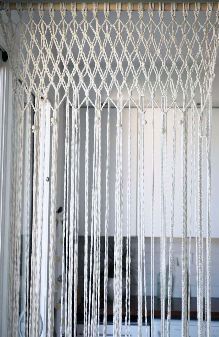 DIY-comment-réaliser-un-rideau-en-macramé5