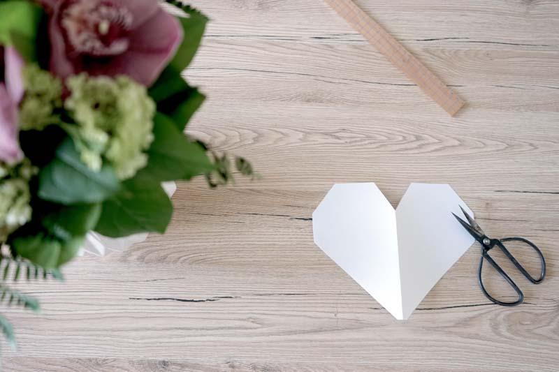 DIY-planche-a-découper-forme-coeur