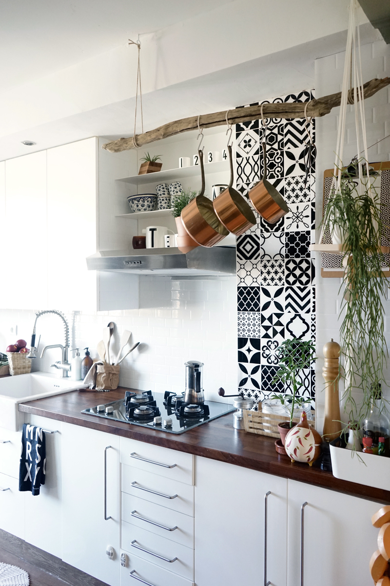 Inspirations photos un carrelage mural adh sif pour la faux carrelage adhes - Faux carrelage cuisine ...