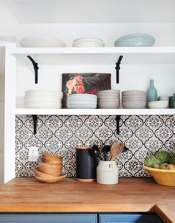 la cr dence donner un coup de jeune votre cuisine moindre frais decou. Black Bedroom Furniture Sets. Home Design Ideas